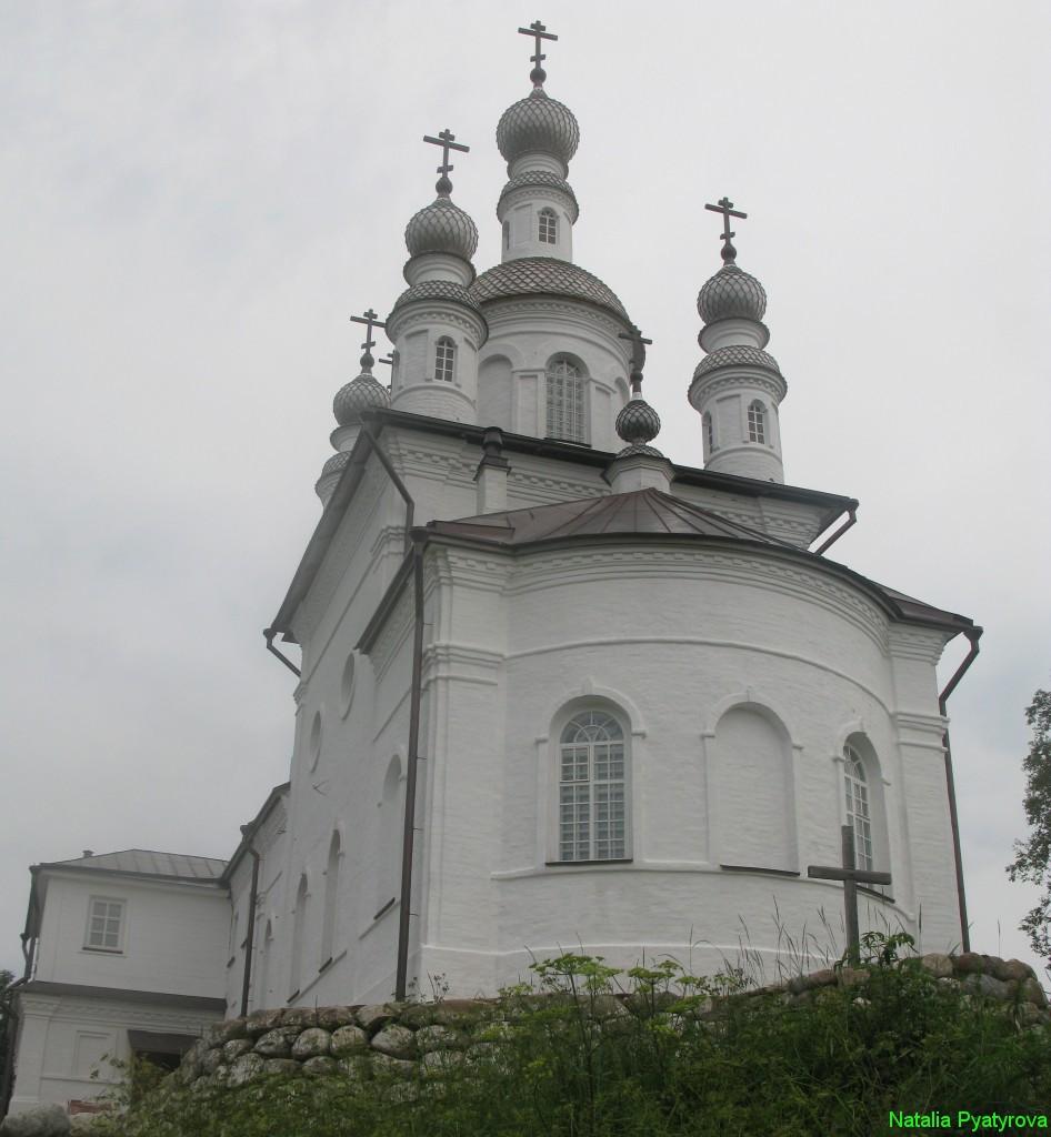 Храм Распятия Господня на острове Анзер