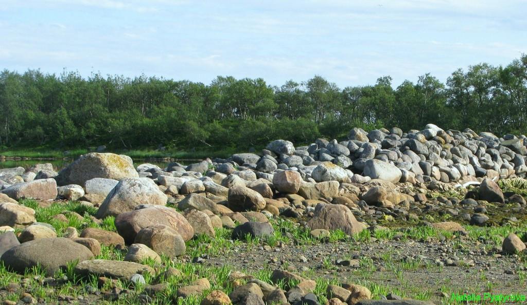 Филипповские садки на Соловецком острове. Валунная дамба.