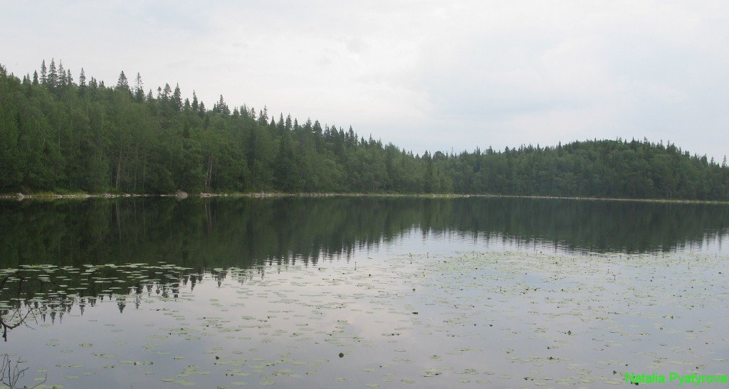Святое озеро на острове Анзер