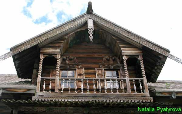 Деревянная резьба. Дом Ошевнева на острове Кижи.