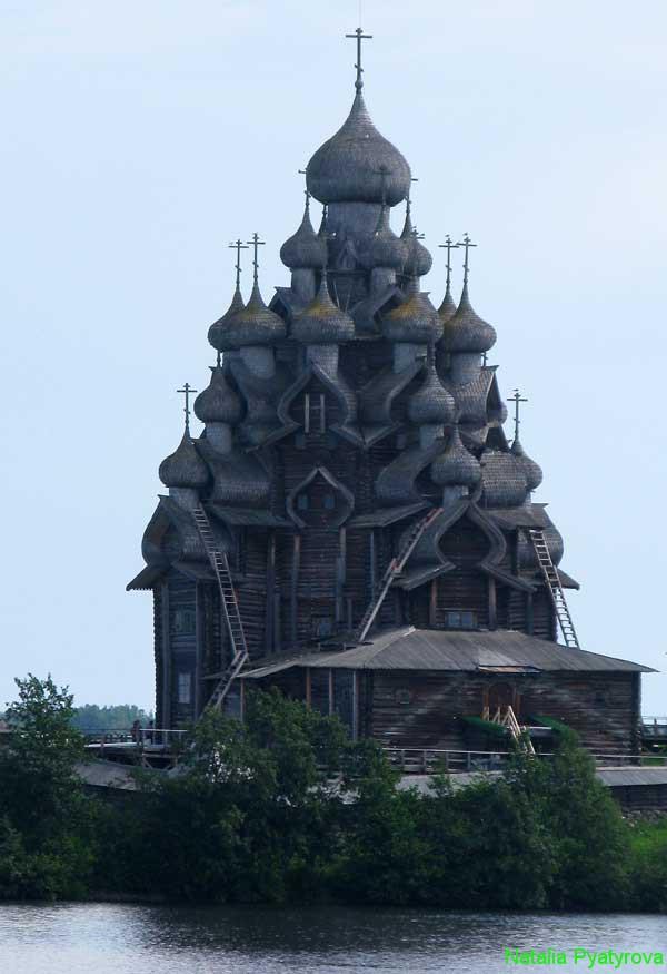 Преображенская церковь на острове Кижи.