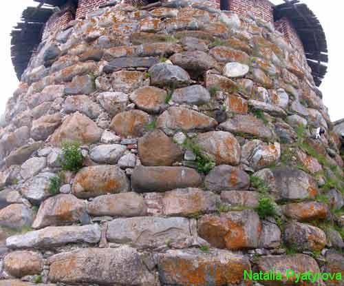 Башня Соловецкого монастыря. Каменная кладка.