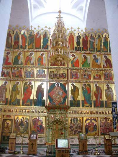 Соловецкий монастырь. Иконостас Спасо-Преображенского собора.